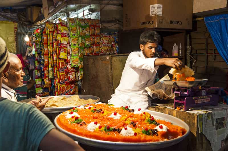 This typical Mumbai experience offers the best non-veg street food