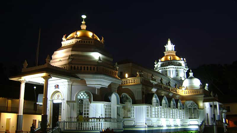 The Mangueshi Temple at night