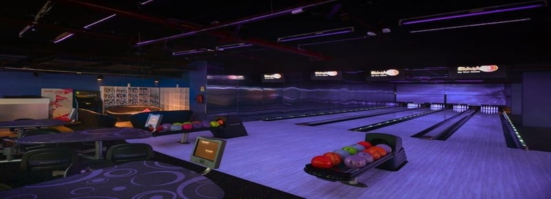 Bowling alley at Smaaash