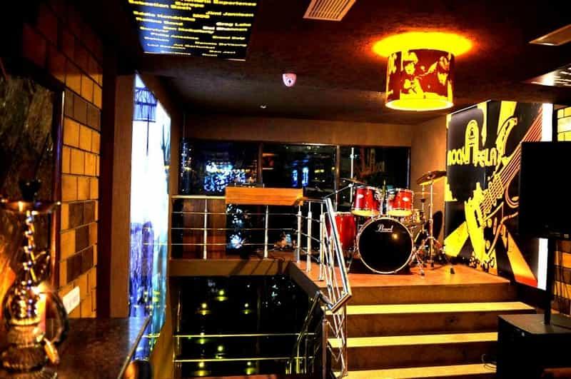 Harry's Karaoke Lounge Bar