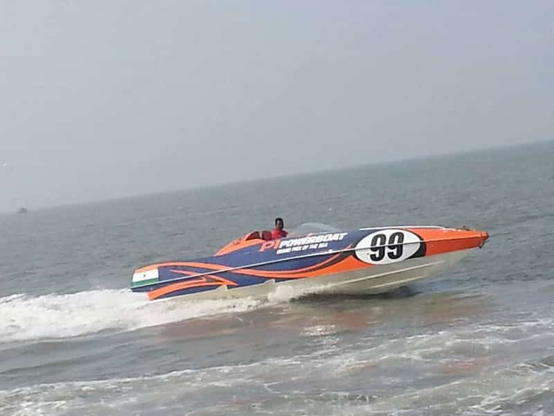 One can enjoy plenty of watersports at H20 in Mumbai