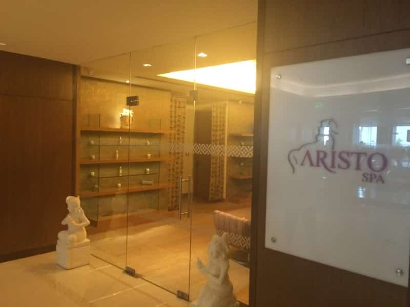 Aristo Spa offers couples massages