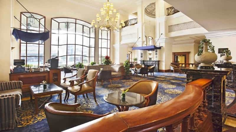 Blooms- Eros Hotel