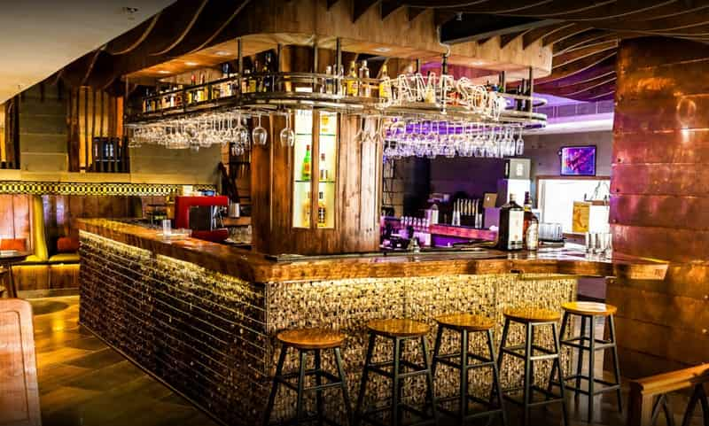 Elf Cafe & Bar