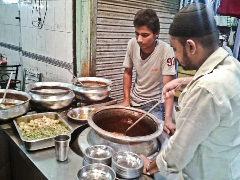 Nihari Breakfast at Matia Mahal