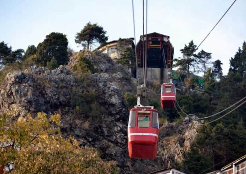The ropeway leading up to gun hill