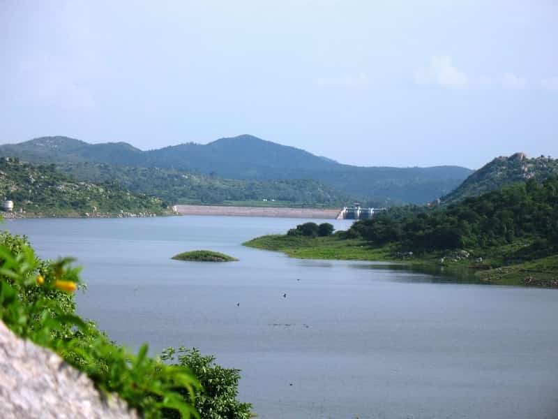 The Manchinbele lake is formed by the Manchinbele dam