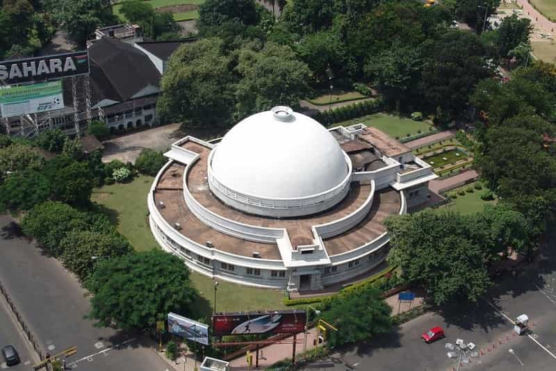 Birla Planetarium is a must-visit for those who love science