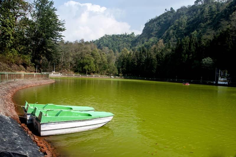 Boating at Aritar