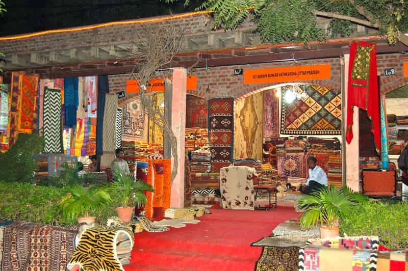 Cultural stores at Dilli Haat