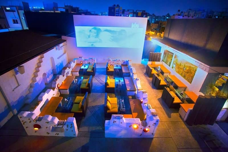 SKYHY's rooftop ambiance