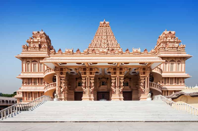 The outstanding Chhatarpur Temple