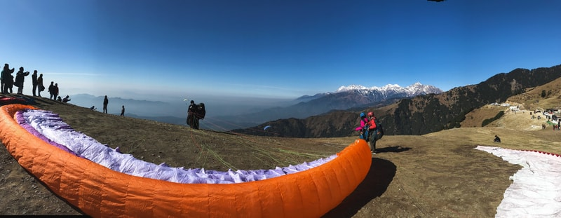11 BEST PLACES TO VISIT IN INDIA TO TAKE A BREAK AND UNWIND- Paragliding in Bir