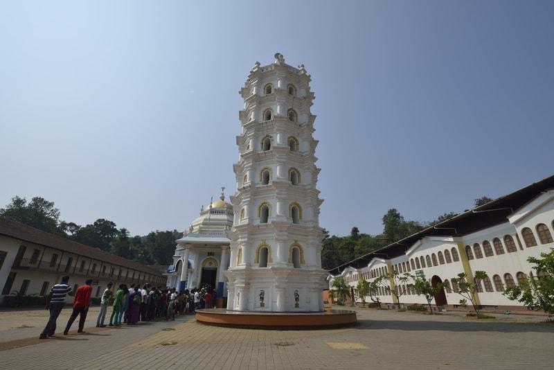 Crowd at the Shri Mangueshi Temple