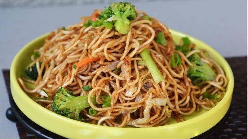 Hakka Noodles is a popular street food item in Goa