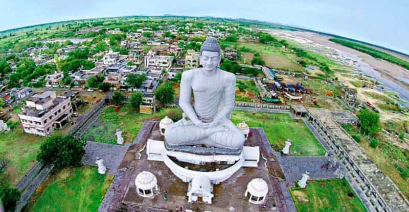 The famous stupa in Guntur