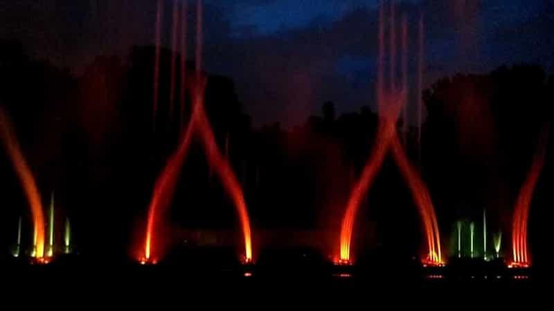 Dancing Fountains at Victoria Memorial