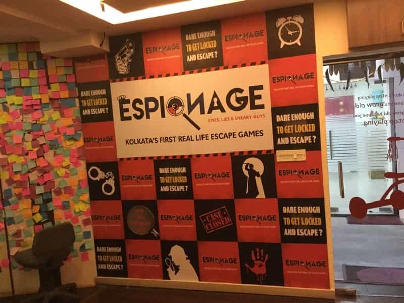 Espionage escape room