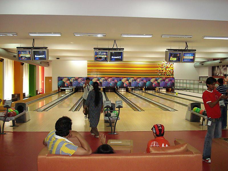 Fun & Bowling