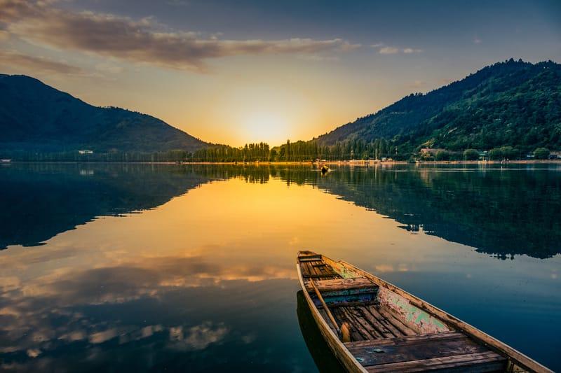 Sunrise over Dal Lake