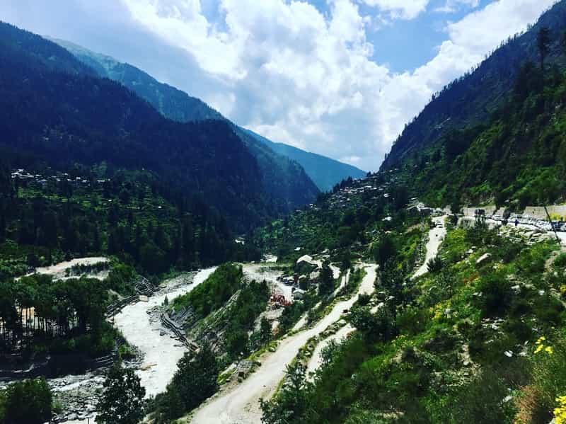 The way from Kheerganga to Tosh
