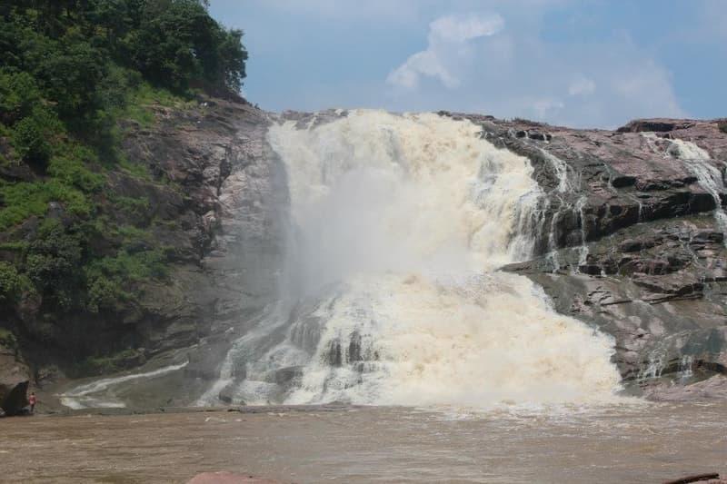 Pochera Falls