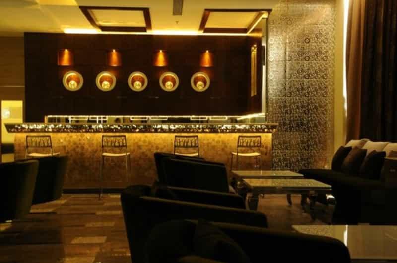 Hi-5 - The Lounge Bar