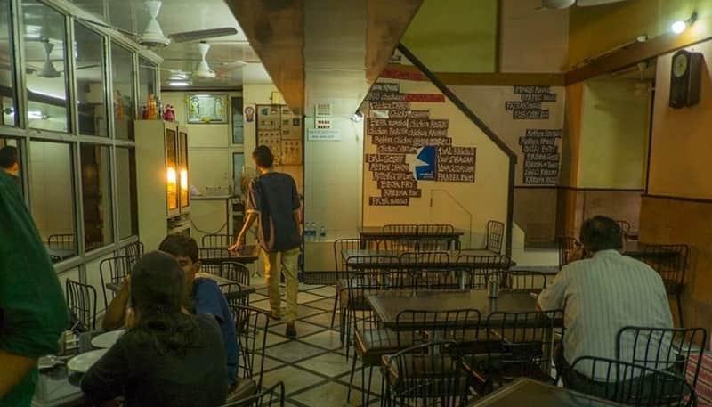 Cafe Excelsior, Fort