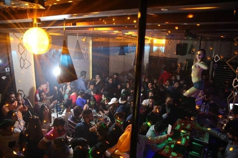 F Bar & Lounge