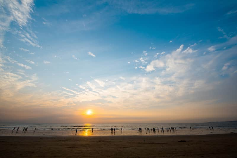 Juhu Beach is a great date spot