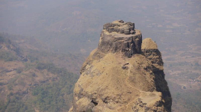 Kalavantin Durg, Machi Prabal