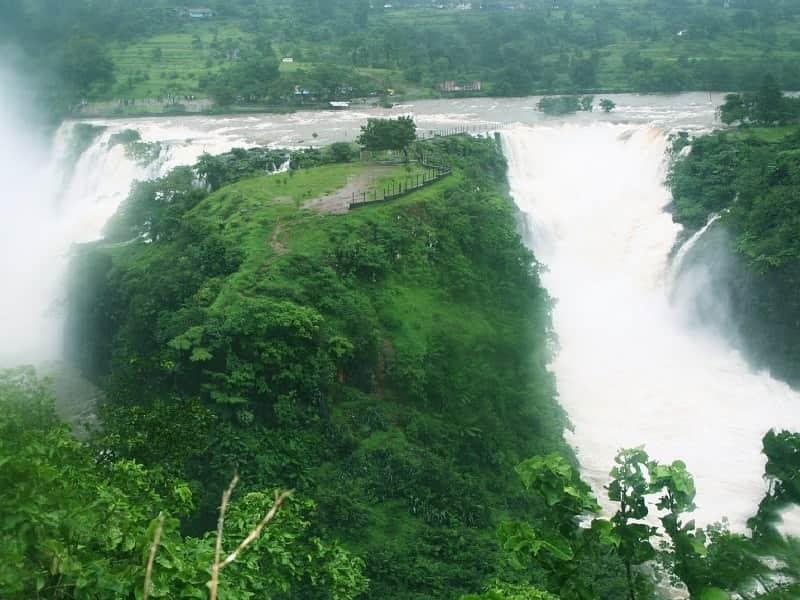 Randha Falls amidst lush greenery