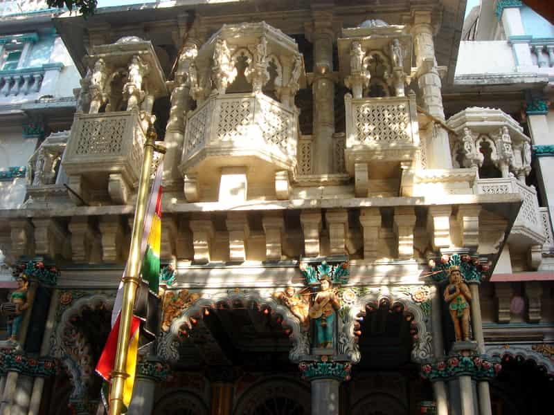 The entrance to the Jain Mandir