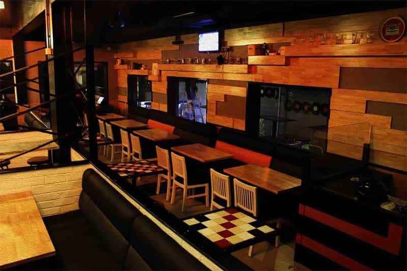 Gilly's Resto Bar