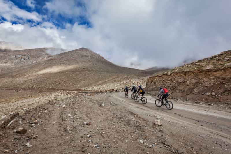 Leh to Khardung La Pass