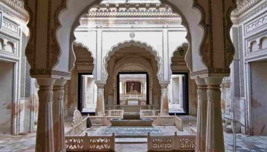 19 Monuments in Hyderabad For a Historical Tour