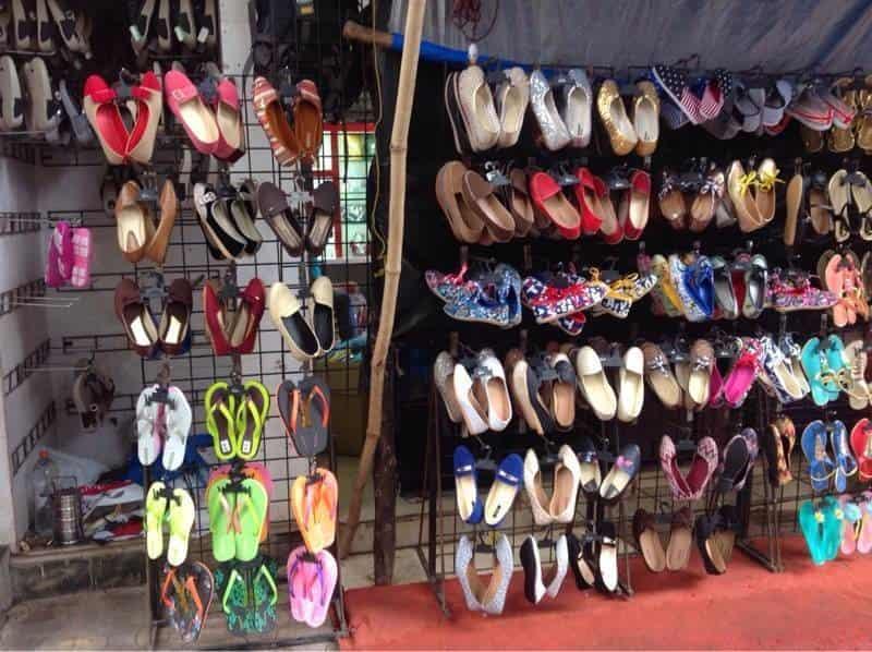3f27d5c3ded7 11 Mumbai Footwear Wholesale Market - Treebo