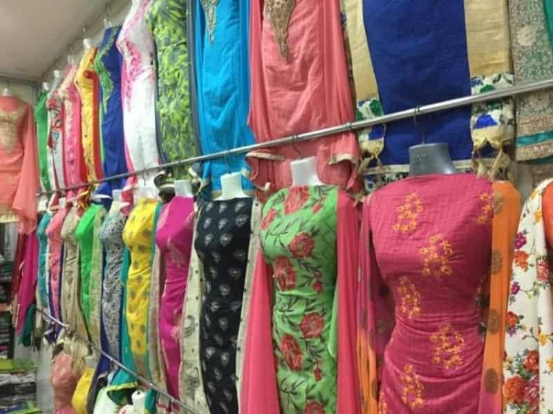 Hindmata Market is the place to vist if you're looking for traditional Indian attire
