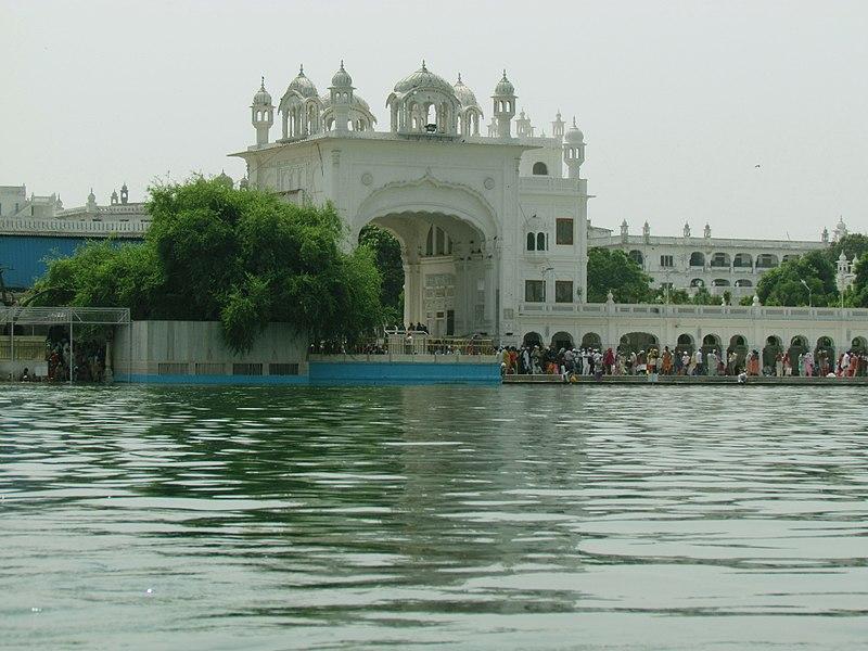Dukh Bhanjani Ber Tree and entrance