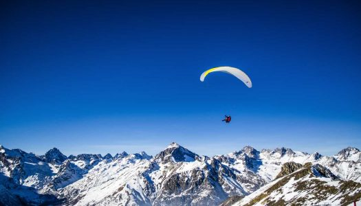 16 Paragliding Sites in India To Fly High