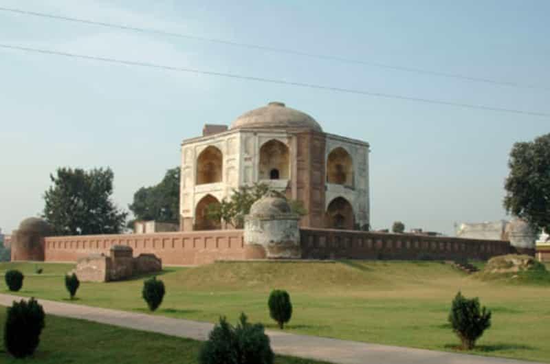 Shamsher Khan's Tomb