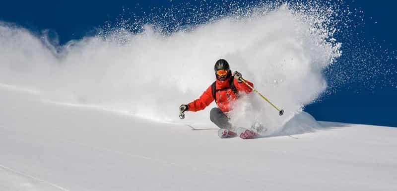 Skiing at Mundali